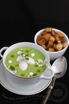 Merita sa o incercati si voi :). Soup Recipes, Vegetarian Recipes, Romania Food, Tasty, Yummy Food, Cheeseburger Chowder, Food Art, Cake Decorating, Easy Meals