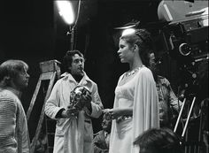 STAR WARS : Shooting photo | Carrie FISHER (Leia ORGANA) and Mark HAMILL (Luke SKYWALKER) | Episode IV : A New Hope (1977)