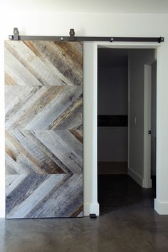diseño puerta madera reciclada
