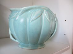 McCoy pottery 1940 green vase 6 tall mark on by StarSteveStuff Roseville Pottery, Mccoy Pottery, Pottery Vase, Ceramic Pottery, Hull Pottery, Vintage Planters, Vintage Vases, Vintage Pottery, Vintage Dishware