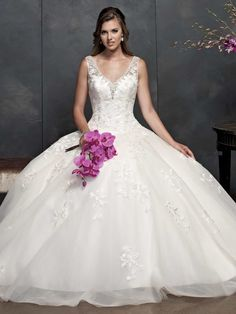 Style 15362 - I love the bodice on this gown. Add some scalloping to the hem and it'd be darn near perfect.