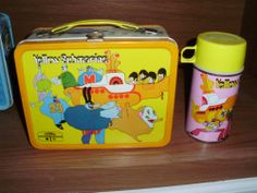 THE BEATLES 1968 AUTHENTIC YELLOW SUBMARINE LUNCHBOX & THERMOS NEAR MINT