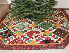 quilter's world twinkling tree skirt Longarm Quilting, Machine Quilting, Xmas Tree Skirts, Large Christmas Tree, Traditional Quilts, Flying Geese, Holly Leaf, Simple Bags, Christmas Decorations