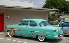 1953 Ford Customliner.