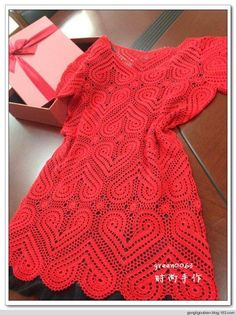 crochelinhasagulhas: Vestido vermelho de coração em crochê
