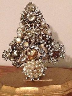 Vintage Rhinestone Christmas Tree Pin : Gorgeous Im. PEARLS ,Signed LaHeir