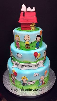 Peanuts Charlie Brown Snoopy Cake - love it! Fancy Cakes, Cute Cakes, Pretty Cakes, Beautiful Cakes, Amazing Cakes, Bolo Snoopy, Snoopy Cake, Unique Cakes, Creative Cakes