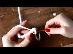 Kuteen virkkaamisen perussilmukat, kääntyminen ja langan vaihto - YouTube Teaching, Youtube, Crafts, Diy, Crochet, Do It Yourself, Crochet Hooks, Manualidades, Bricolage