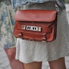 http://www.fashionfreax.net/outfit/244468/Bag