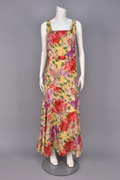 Lot: PRINTED SILK SUMMER GOWN, 1930s., Lot Number: 0705, Starting Bid: $50, Auctioneer: Charles A. Whitaker Auction Co., Auction: Couture & Textiles from Museum Collections, Date: April 16th, 2016 CDT