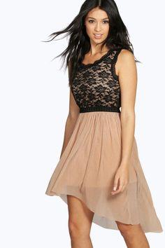 Party Dresses | Women's Party Dresses at Boohoo.com