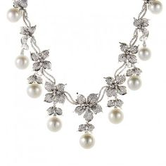 18K White Gold Diamond Flower & Pearl Necklace