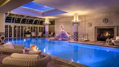 View Photos from The Rome Cavalieri's historic luxury hotel. Offering Rome hotel lodging and accommodations. See why The Rome Cavalieri exudes 5 star quality. Park Hotel, Hotel S, Grand Hotel, Hotel Deals, Hotel Rome, Rome Hotels, City Breaks Uk, Astoria Hotel, Swimming Pools Backyard