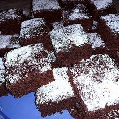 Kakaós süti - A legegyszerűbb sütik a legfinomabbak! - Egyszerű Gyors Receptek Nutella, Cake Recipes, Diy And Crafts, Cookies, Drinks, Food, Kuchen, Recipies, Crack Crackers