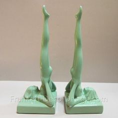 Frankart head standing nymph art deco bookends, green (pair) : Hard to find Frankart metal art deco bookends finished in green enamel. They were cast by Sarsaparilla in the from the original era mold. These head standing nymphs can recline on t Art Deco Bar, Art Deco Decor, Art Deco Stil, Art Deco Home, Art Deco Design, Decoration, Wall Decor, Lampe Art Deco, Art Deco Table Lamps