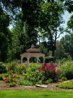 Gazebo, Outdoor Structures, Cabin, House Styles, Garden, Home Decor, Garten, Deck Gazebo, Cabins