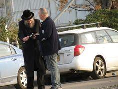 Shekinah Glory Falls on Orthodox City in Israel. Zev Porat Outreach 3.21.16 (6 minutes)