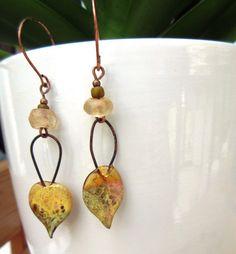 Doux Chants De Poète : pour ces boucles d'oreille natures avec breloques en verre artisanales .... : Boucles d'oreille par les-reves-de-minsy