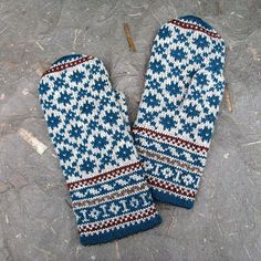 mgermain's Latvian Mittens a la Irma Beautiful knitted mittens Ravelry: mgermain's Latvian Mittens a la Irma History of Knitting Wool spinning, weaving an. Knitted Mittens Pattern, Crochet Mittens, Knitting Wool, Fair Isle Knitting, Knitting Charts, Knitted Gloves, Hand Knitting, Knitting Patterns, Crochet Cats