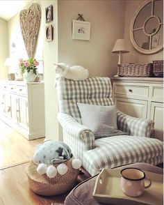 A moment of relax. I'm at home today, doing little chores around the house and trying to breathe and unwind the stress of the past weeks. Wingback Chair, Armchair, Organisation Hacks, Future House, Accent Chairs, Shabby Chic, Relax, In This Moment, Living Room