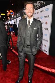 Zachary Levi looking hotter than ever <3