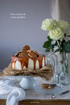 La tarta para celebrar el cumple de mi cuñada Raquel. Para preparar con antelación, muy fácil y deliciosa. Una mousse de crema pastelera, con base de galleta y salsa de caramelo salado, una pasada.… Real Food Recipes, Dessert Recipes, Small Cake, Sin Gluten, Chocolate Desserts, Cheesecake Recipes, Toffee, Food And Drink, Pudding