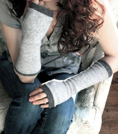handmade cashmere fingerless gloves made from recycled sweaters #methodholidayhappy