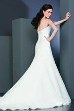 This wonderful Wedding Dresses Sweetheart Neck Weeding Gown Features Romantic Balloon Skirt and Refine Inverted Basque Waistline Wedding Dress This beatiful cheap wedding dresses use the Satin / organza material, the front Sweetheart neckline compose this elegant and charming dress. A-line outline match with your unique and sexy appeal. Dressaler.com offer you the best ball-gown wedding dresses There must be one for you. - $161.09