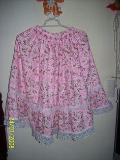 Falda para un festival festejo dia de la revolución Mexicana, plisada en cintura , con pretina y, olan plisado en parte baja adornada con encaje.