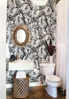 Some of the best small bathroom ideas, squeezed into 55 square feet! Some of the best small bathroom ideas, squeezed into 55 square feet! Downstairs Bathroom, Bathroom Wall Decor, Bathroom Ideas, Small Bathroom Wallpaper, Bathroom Makeovers, Tropical Bathroom Decor, Palm Wallpaper, Simple Bathroom, Wallpaper Powder Rooms