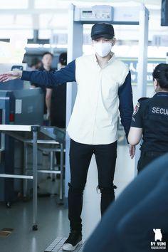 인피니트∞ : Photo #Woohyun 151001 Hongkong Airport