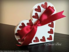 White heart favor box gift box