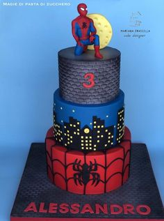 Spiderman cake by Mariana Frascella