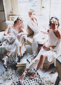 """""""The White Album"""". Anouck Lepere, Erin Wasson and Ann-Catherine Lacroix by Steven Meisel for Vogue US March 2002"""