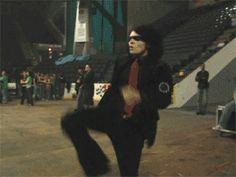 """Everyone needs this gif of her """"Kung foo fighting"""" on there profile"""