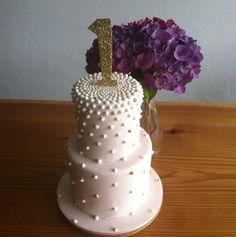 #occasioncake #weddingcake #fondantcake #handmadecake #customcake #whitecake