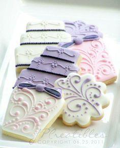 Decorated Cookies  HV: cukormáz habzsák dekorcső coupler Megvásárolhatsz mindent a GlazurShopban! http://shop.glazur.hu #kekszdekoracio