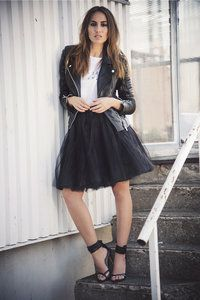 STYLE CARRIE : SHORT TULLE SKIRT ; SOFT, SMOOTH BLACK