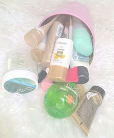 February Empties just went up! :D Who else loves these kinda of posts? Can't wait to start fresh for March/Autumn! http://www.candyfairyblogs.blogspot.com.au/2015/02/february-empties.html  #empties #febempties #binthings #beautytrash #samples #sachets #productsiveusedup #declutter #beautyclutter #cosmetics #makeup #blogpost #bbloggers #bbloggersau #ozbeautybloggers #beautyblogger #aussiebbloggers #australianbeautyblogger #aussiebeautyblog #bbloggersaus #bbloggersoz #emptyproducts