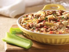 Almost everybody loves Mediterranean foods--and this creamy, aromatic dip is the essence of them. Loaded with artichoke hearts, roasted red peppers and crumbled veggie sausage patties, it spices up crisp celery sticks and cucumber slices. Dip Recipes, Sauce Recipes, Veggie Recipes, Cooking Recipes, Kraft Recipes, Summer Recipes, Easy Recipes, Vegetarian Recepies, Vegetarian Side Dishes