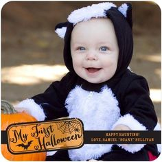 How adorable is this baby skunk costume! Now that's a Halloween smile made for a card :)