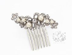 Hey, I found this really awesome Etsy listing at https://www.etsy.com/listing/115010030/wedding-hair-comb-swarovski-pearl