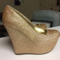 Shoes - Gold glitter platform wedges