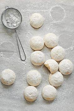 almond shortbread /