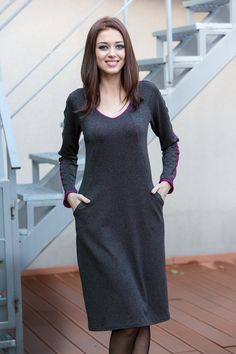 """For full busts, Angelina is a fantastic cosy dress, staple in two complex colourways: grey merges into fuchsia.It's comfortable, slimming and has pockets! It can be worn as a tunic.Mixing and matching is fun!* Style based on our Jolie tunic. Model wears BiuBiu size 36 B/BB and her height is 1.75m/5""""85 Material: 90% Viscose 9% Cotton 1% ElasthanColour: grey and fuchsiaLength: s.34-36- 93cm s.38-46 -101cm"""