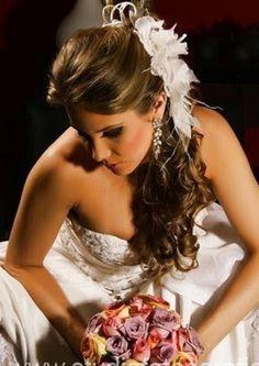 Arranjo de cabelo para noiva R$150,00