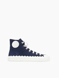 Discover Kyle Sneaker and shop online on CHLOE Official Website. CH27051E01