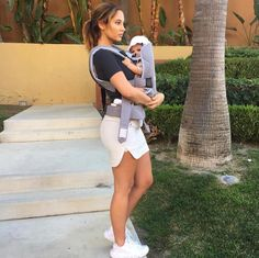 542 Likes, 1 Comments - Ace Family Fanpage Catherine Paiz, Cute Family, Family Goals, Couple Goals, The Ace Family Youtube, Ace Family Wallpaper, Austin And Catherine, Poses, Family Outfits