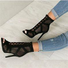 b0064ccda R$ 80.92 55% de desconto LALA IKAI Flock Mulheres Bombas Elegante Bandage  Cruz Amarrado Saltos Altos 11.5 cm Sapatos De Senhora Casamento Zipper  014C1151 ...