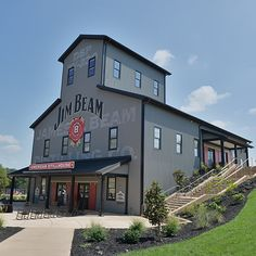 Jim Beam American Stillhouse (historic bourbon distillery) in Clermont, Kentucky. Nice tour and free bourbon samples. Oh The Places You'll Go, Places To Travel, Hidden Places, Bourbon Tour, Sweet Bourbon, Louisville Kentucky, Bardstown Kentucky, Bourbon Kentucky, My Old Kentucky Home